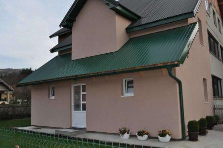 Green-House027-1200x797-1-1024x680
